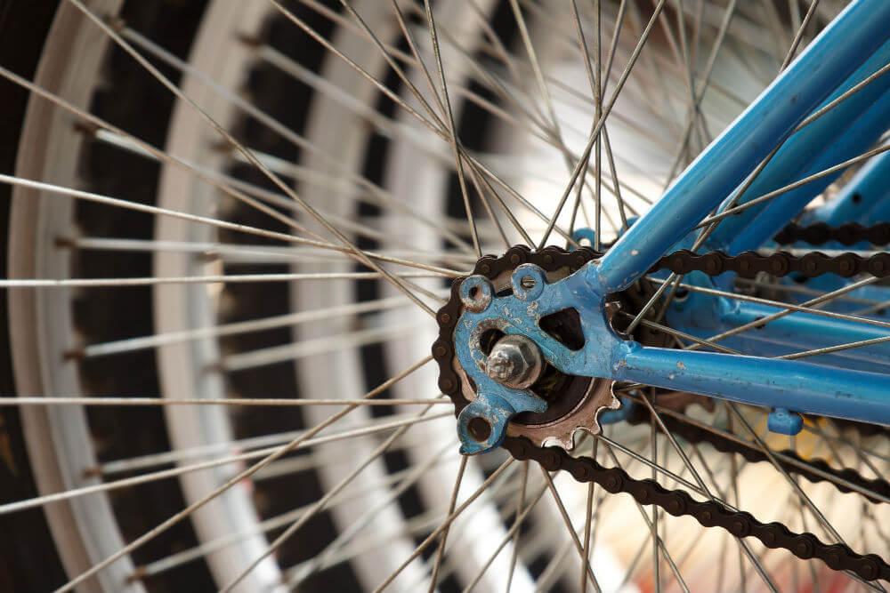 Cómo reparar una bicicleta sin salir de casa